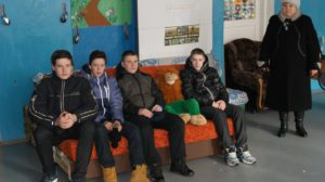 2017-02-perevozka-divana-3-v-detsi-internat-gureneki